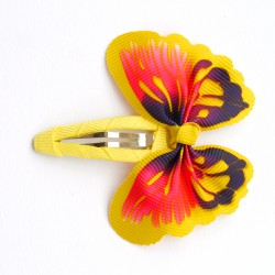 Aplique mariposa amarillo